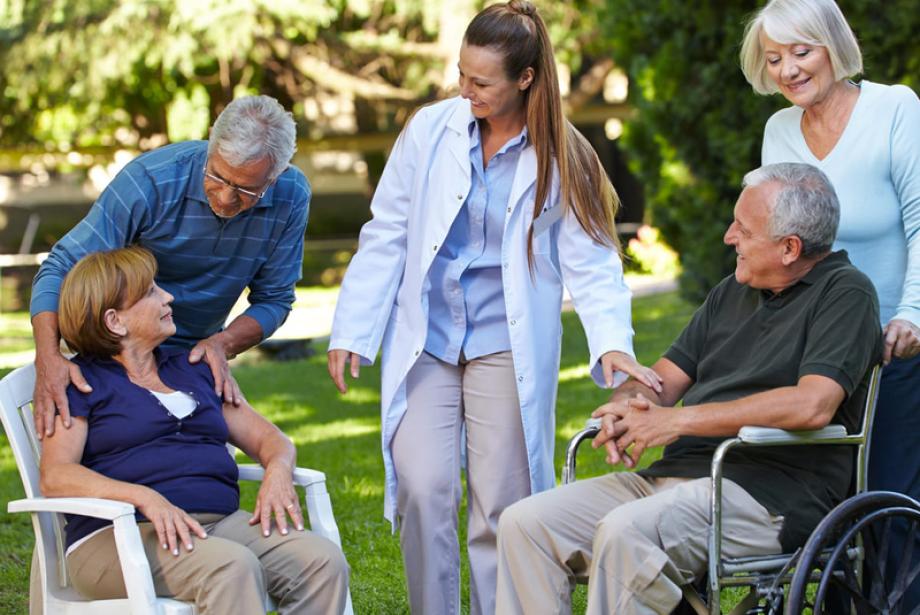 Seniorenpflege - OMEGA Pflegeservice