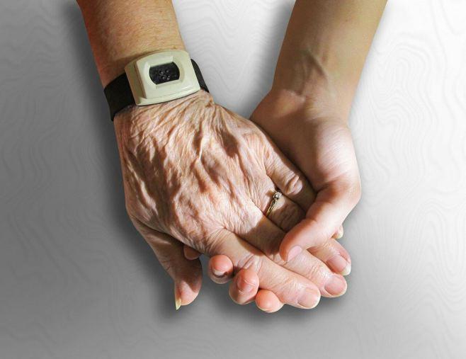 Alte und junge Hand in Hand: Zusammen Thromboseprophylaxe